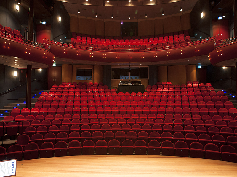 theaterstoelen_munttheater_stofferen